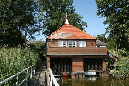 Komfort-Bootshaus am Zemminsee - diverse Boote (optional)