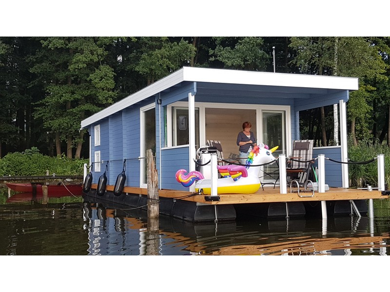 Hausboot schwimmendes Ferienhaus am Granzower See nahe Mirow - Motorboot (optional)